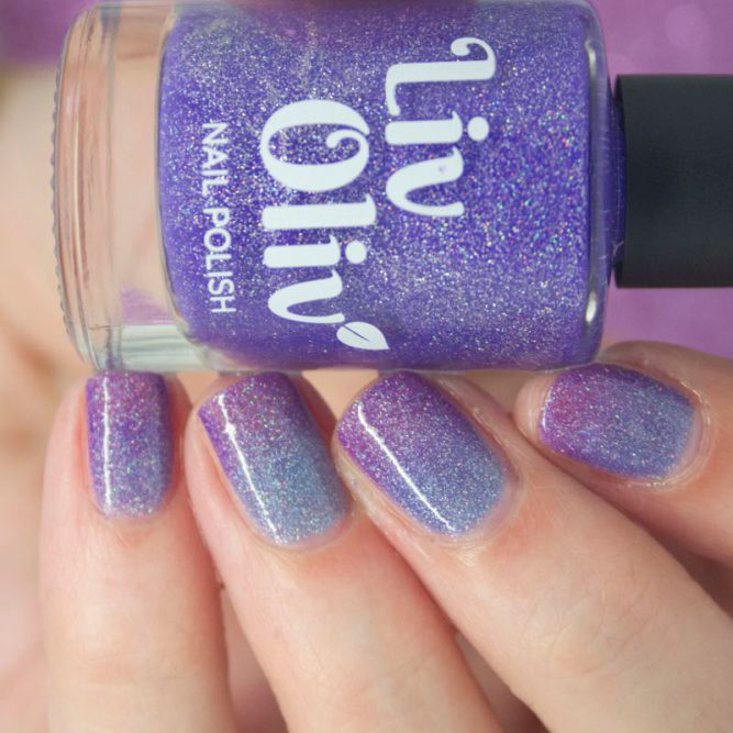 purple to blue thermal cruelty free nail polish transition nails