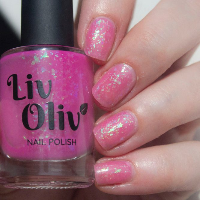 neutral to pink photochromic cruelty free nail polish pink nails