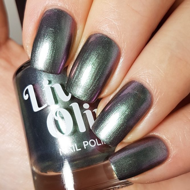 LivOliv Cruelty Free Nail Polish ultra chrome six of clubs