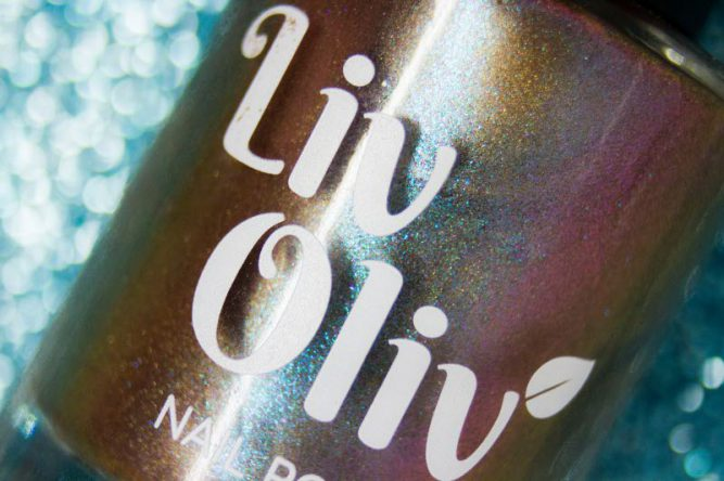 livoliv cruelty free multi coloured chameleon magnetic nail polish bottle close up