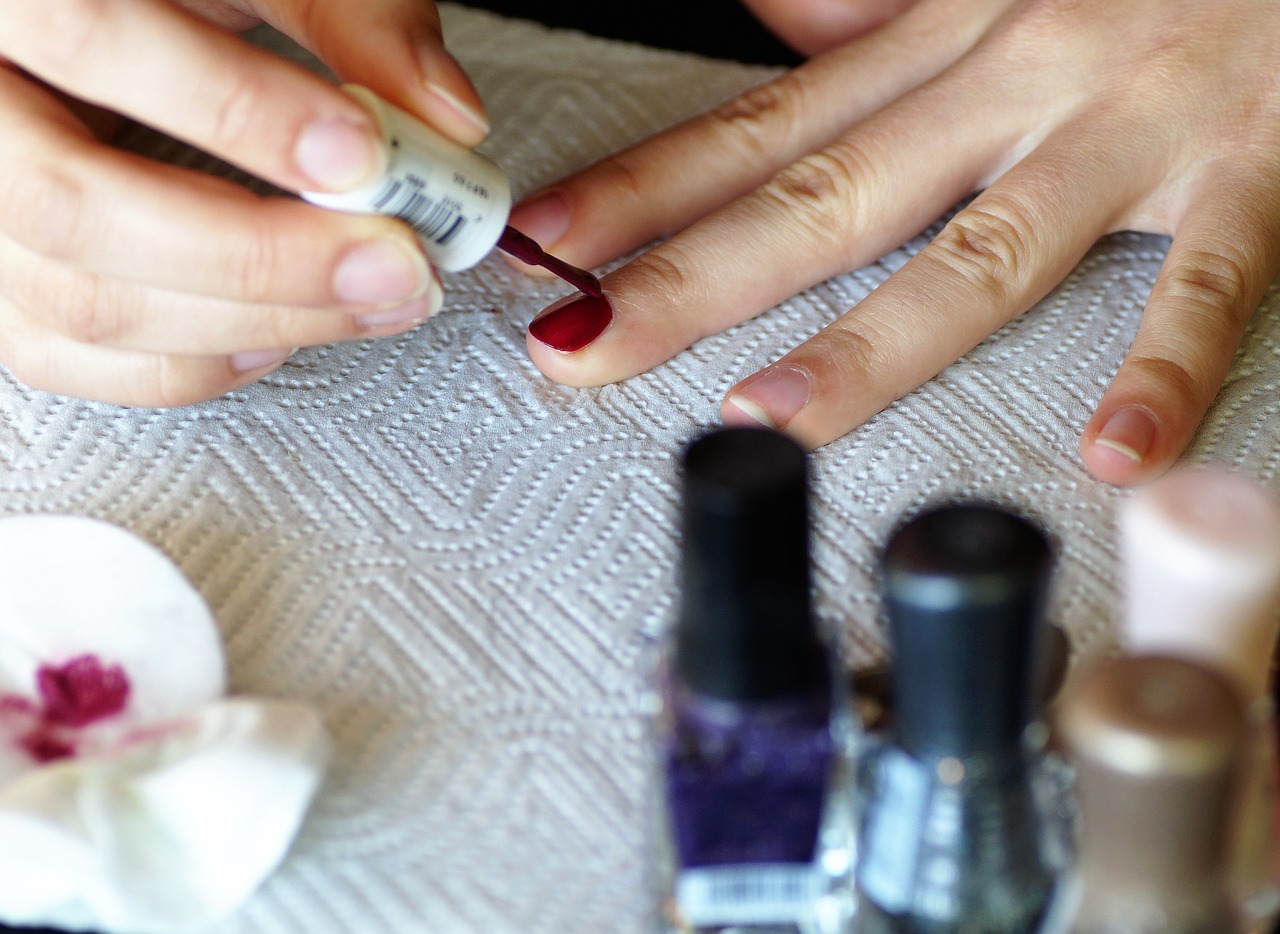 Livoliv nail polish woman painting nails